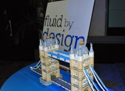 Fluid by Design, le pont de Londres... Entièrement en Lego...